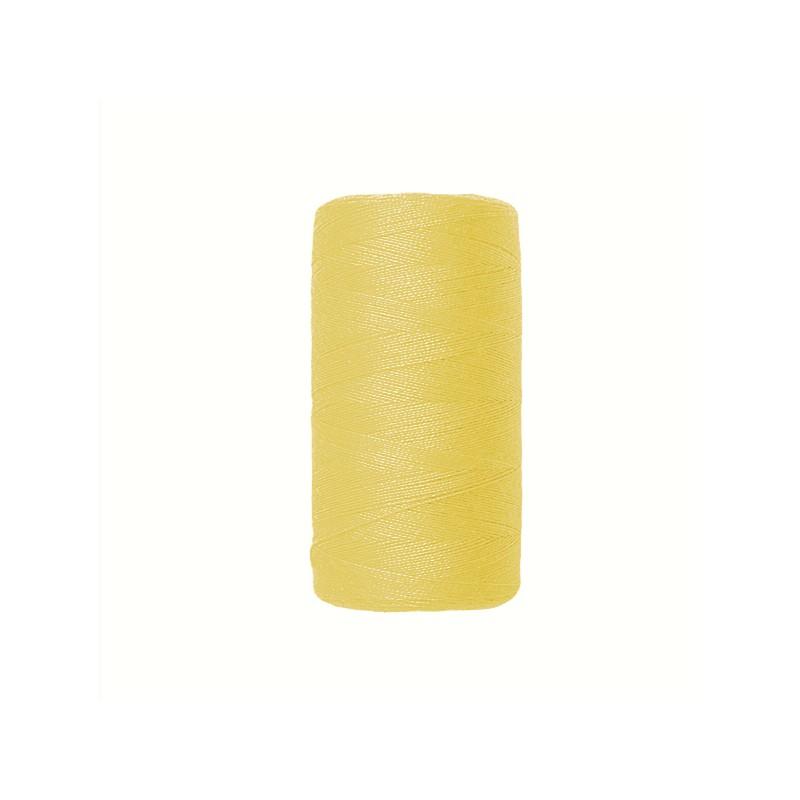 Fil à coudre jaune